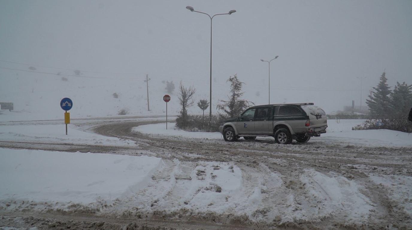 Probleme vetëm në disa akse të rrugëve rurale në Elbasan
