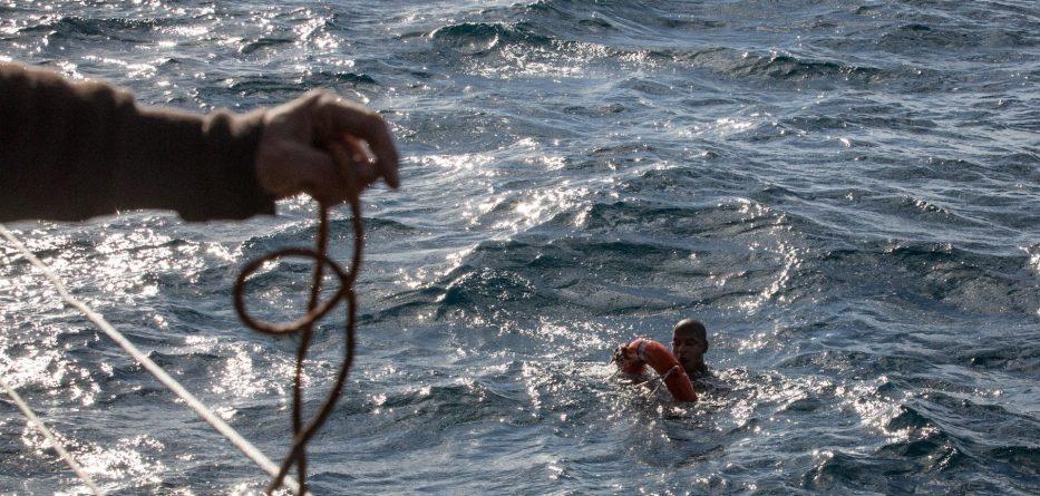 Tragjedi në Mesdhe, fundoset barka me emigrantë
