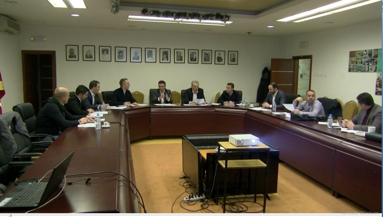 Dygjuhësia, institucionet maqedonase bëhen gati për zbatimin e ligjit