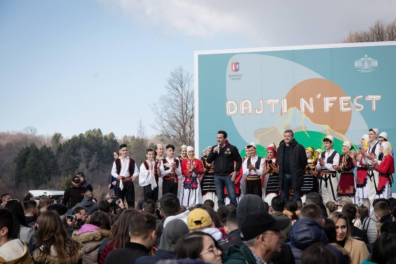 """""""Dajti N'fest""""/ Klosi: 210 festa lokale në vend, Veliaj: Hapim ish-kampin e punëtorëve"""
