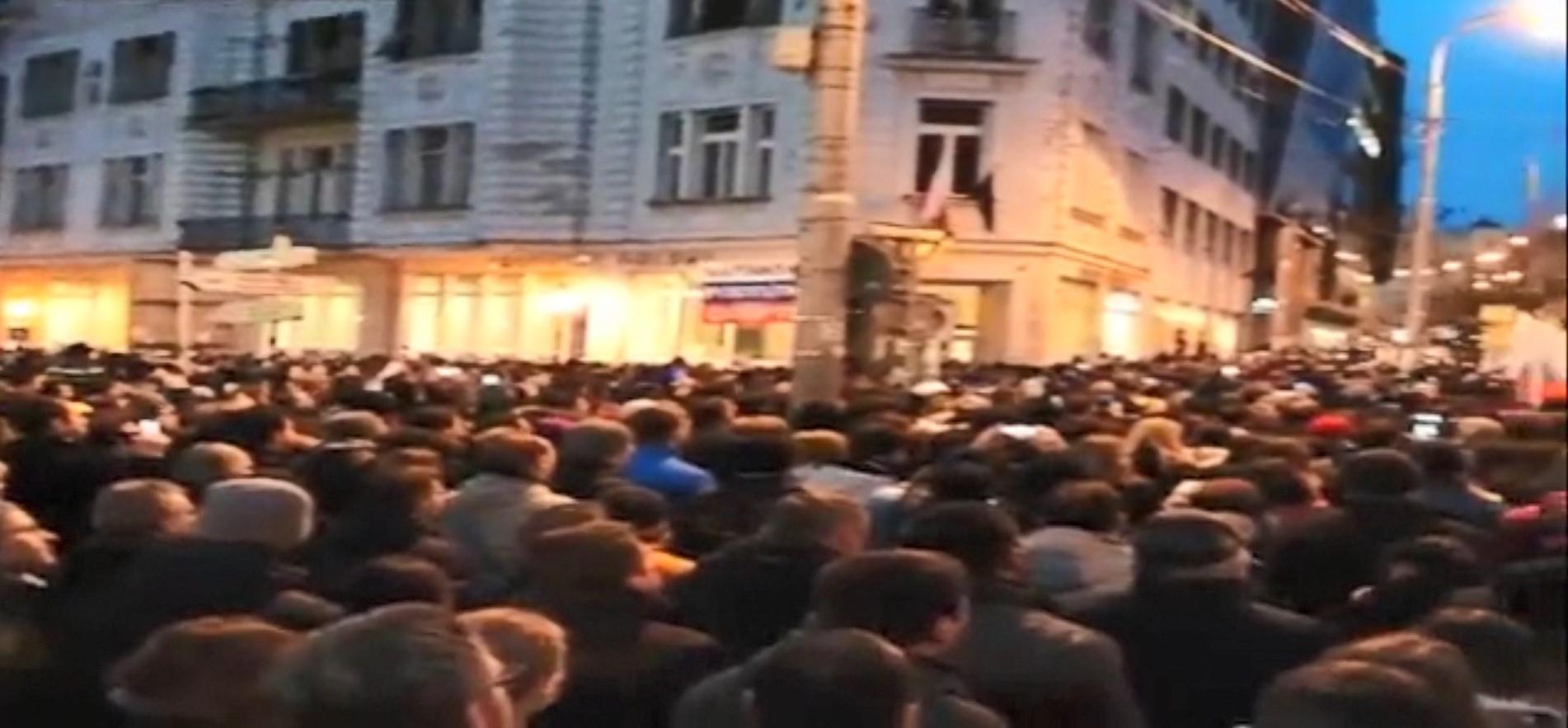 Një vit nga vrasja e gazetarit, qytetarët sllovakë sërish në protestë