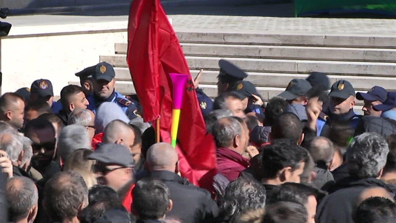 MBULIM-ARRESTIMET-E-REJA-PER-PROTESTEN.mpg_snapshot_00.02-1280x720.jpg