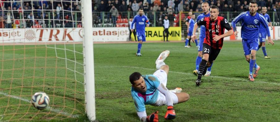 Ndeshja-e-futbollit-Flamurtari-Kukesi-0-1-905x395.jpg