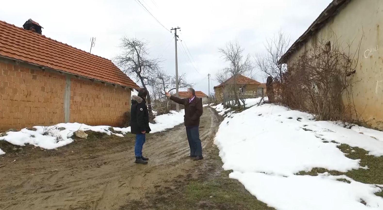 Fshati në Preshevë i ndarë mes Kosovës dhe Serbisë