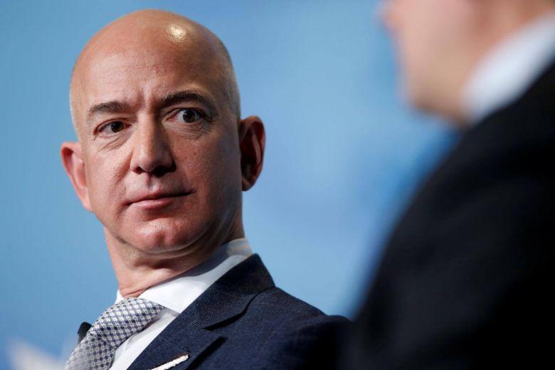 Jeff Bezos akuzon Trump