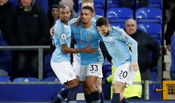 Manchester City në krye të Premier Ligës