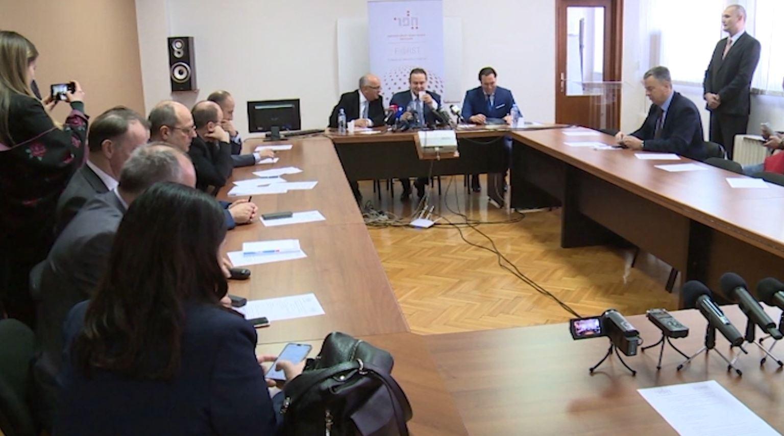 Oferta e Serbisë për Kosovën, Vuçiç pro deklaratës së Daçiç
