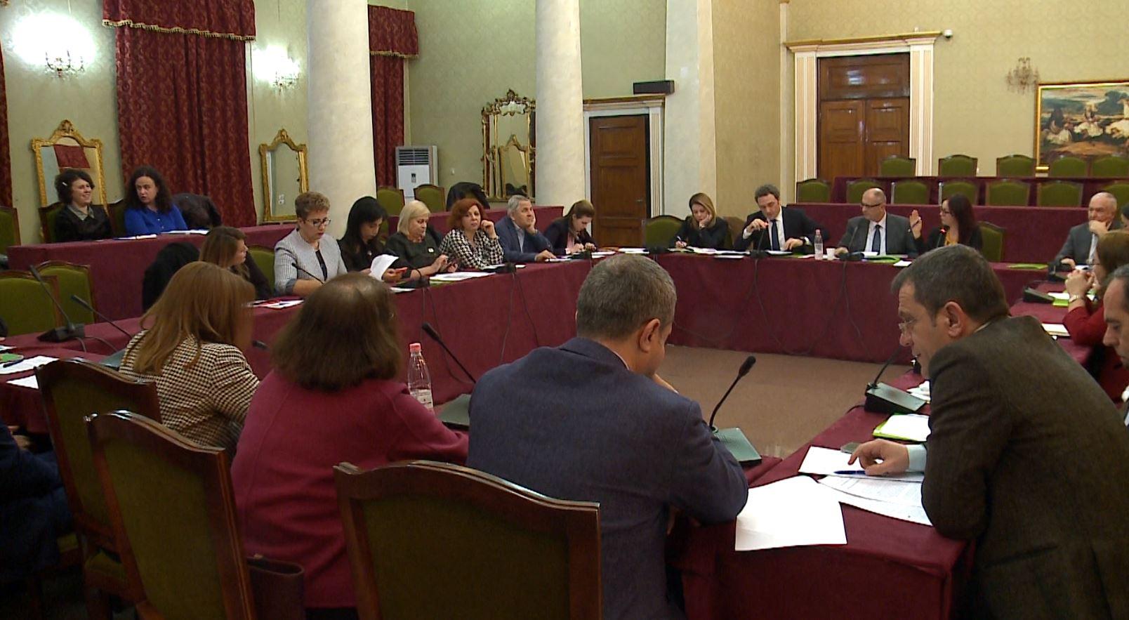 """Debate në Komisionin e Shëndetësisë për """"Check Up"""""""