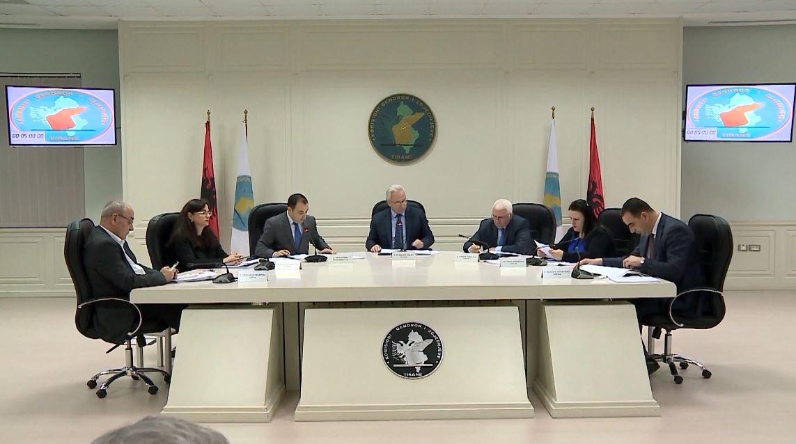 KQZ rrëzon PS: Kryebashkiakët me tre mandate kanë të drejtë rikandidimi