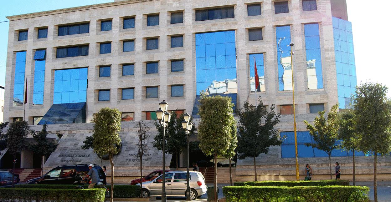 Abuzim me tenderat, 4 zyrtarë të Ministrisë së Drejtësisë në pranga