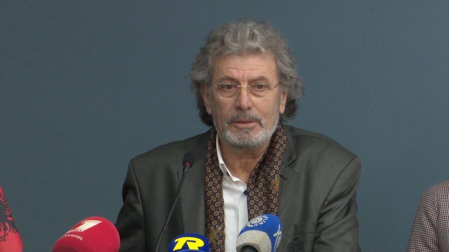 """Piktorit Myftar Cubi i dorëzohet titulli """"Nderi i Shkodrës"""""""