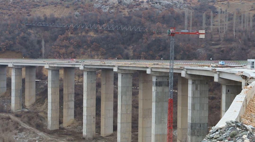 Përfundon ura më e madhe në Rrugën e Kombit