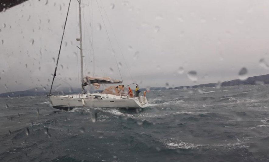 Shpëtohet anija me vela në Korfuz