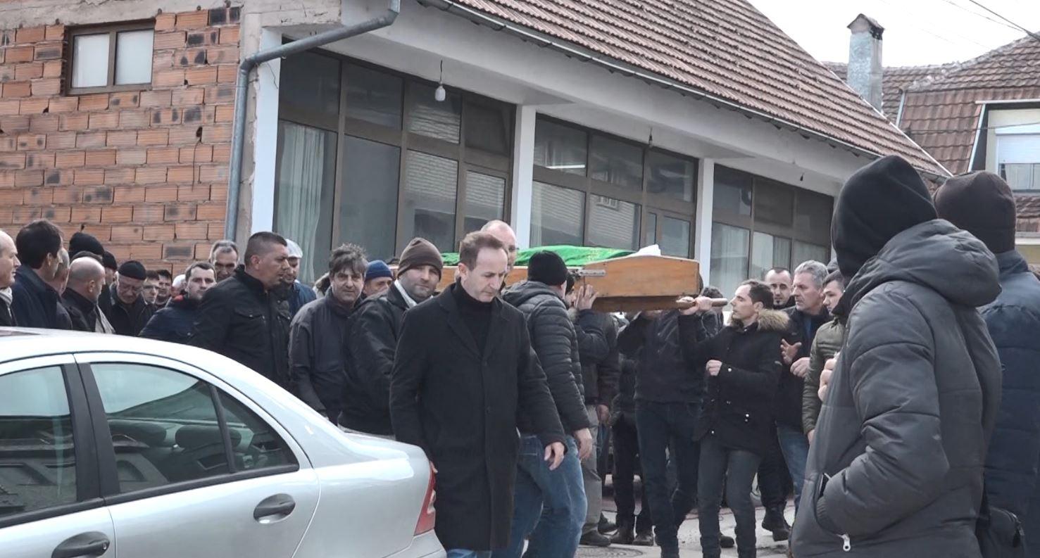Gostivar, përcillen në banesën e fundit viktimat