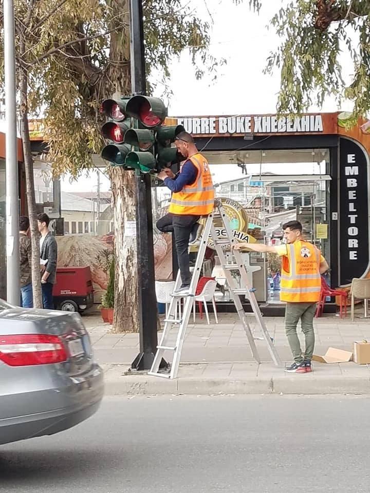Bashkia e Tiranës instalon semaforët LED dhe me numëratorë kohe