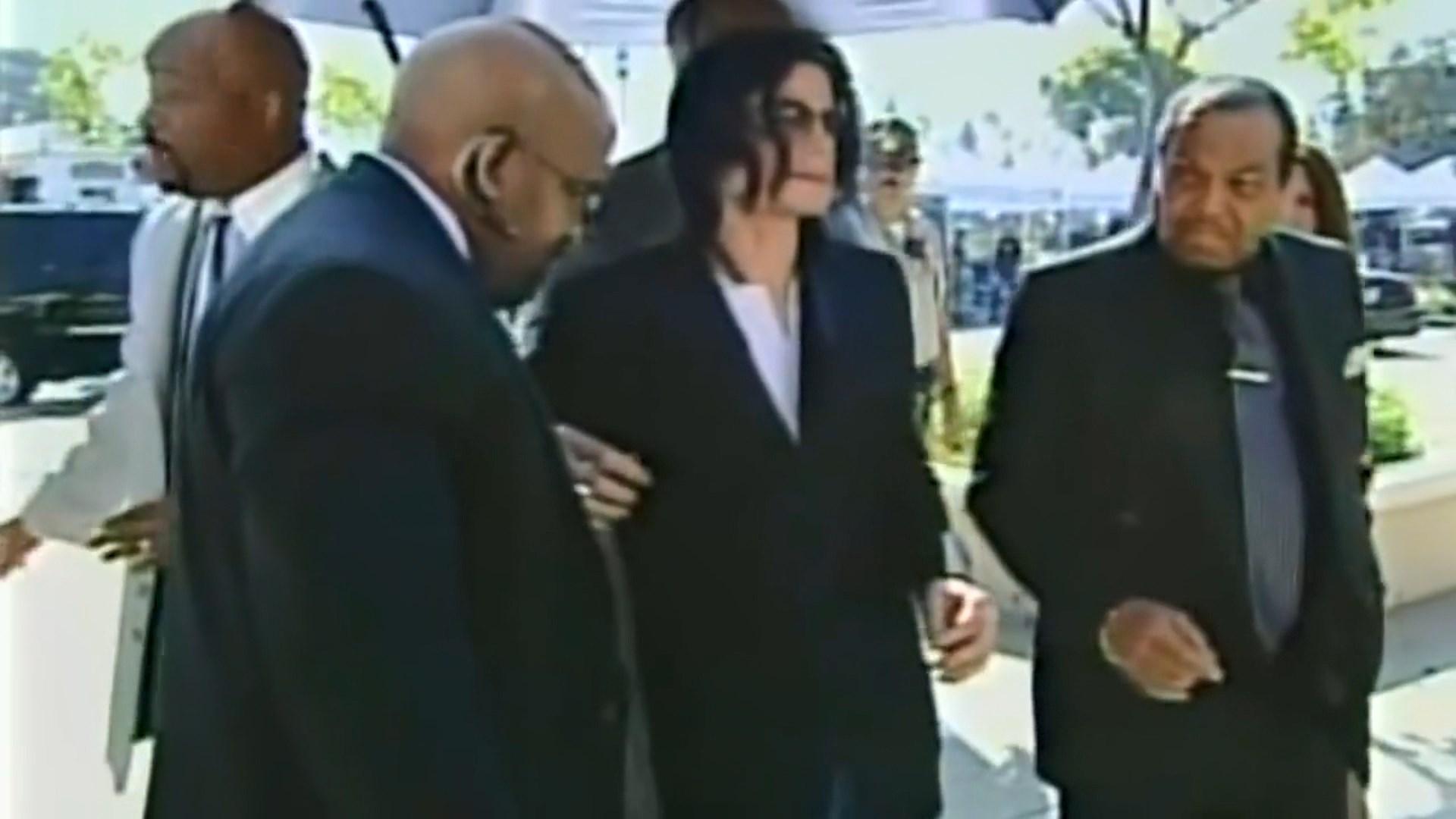 BBC anulon transmetimin e këngëve të Michael Jackson në pritje të dokumentarit