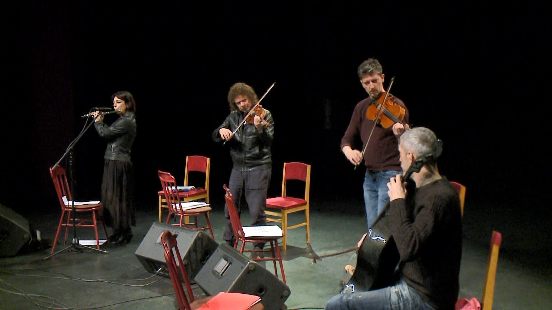 Ermal Meta, koncert homazh në Tiranë për kantautorin Fabrizio De Andre