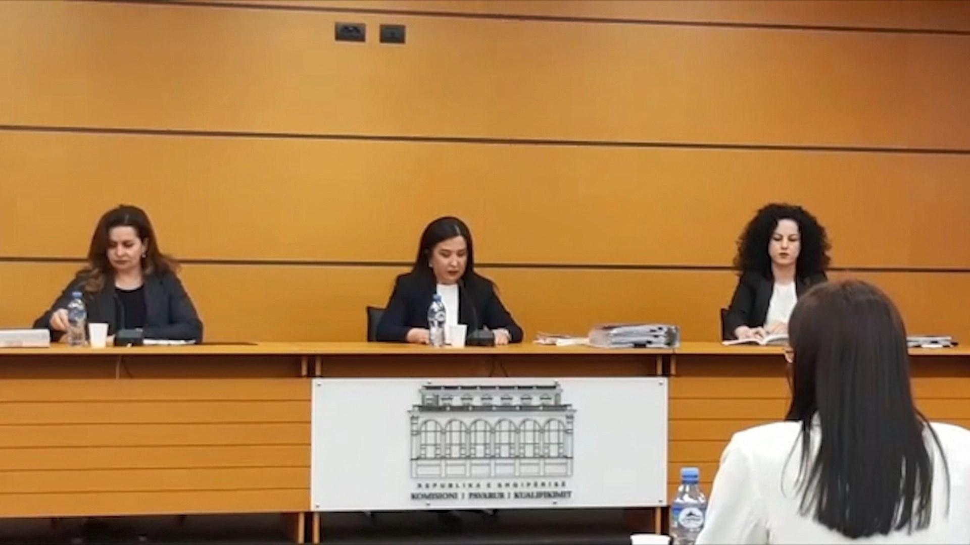 """""""Në sitë"""" drejtuesja e gjykatës së Lezhës, KPK: Xhaferllari humb statusin e magjistrates"""