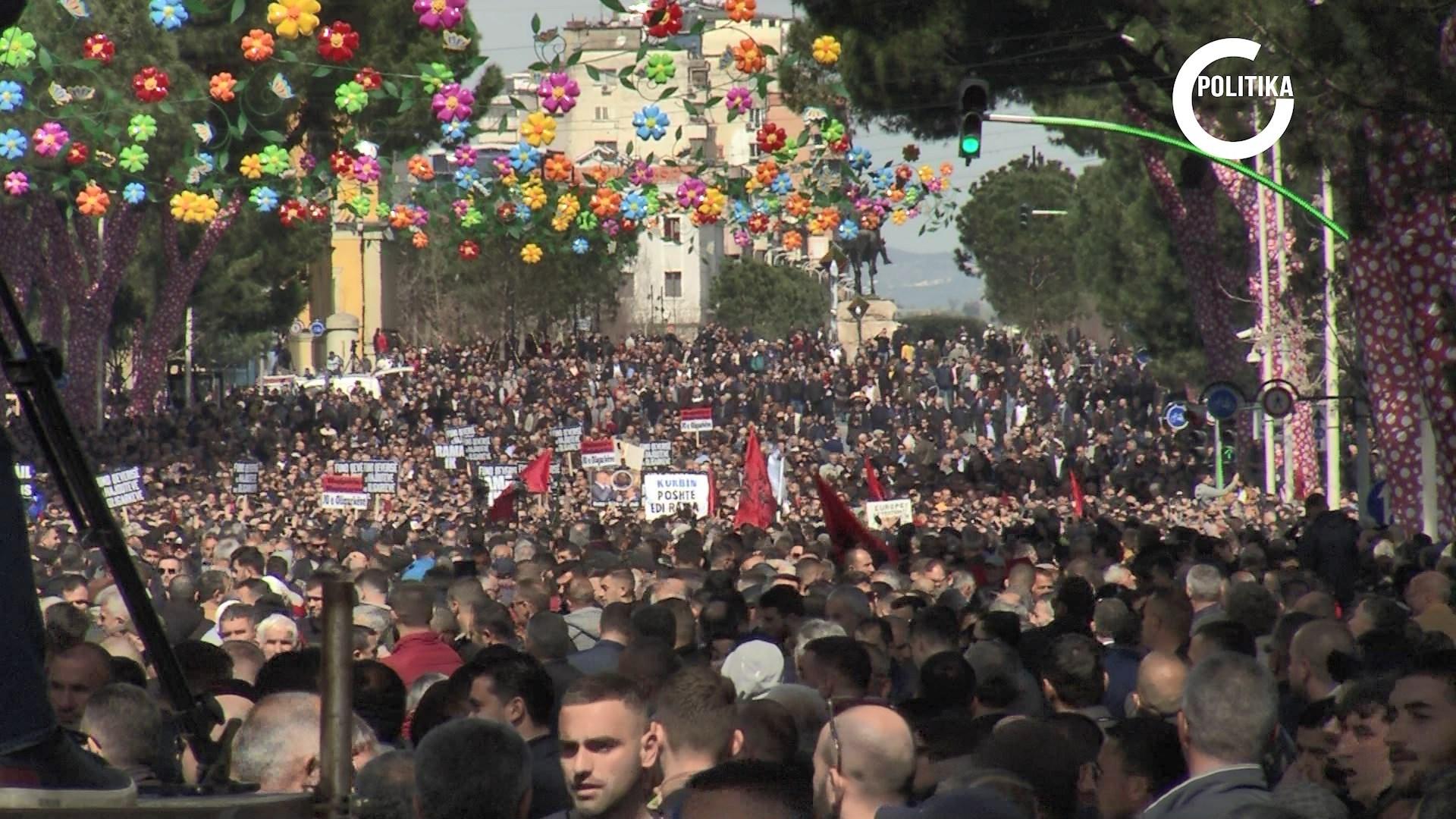 Lulzim Basha protestë si mesazh për ndërkombëtarët