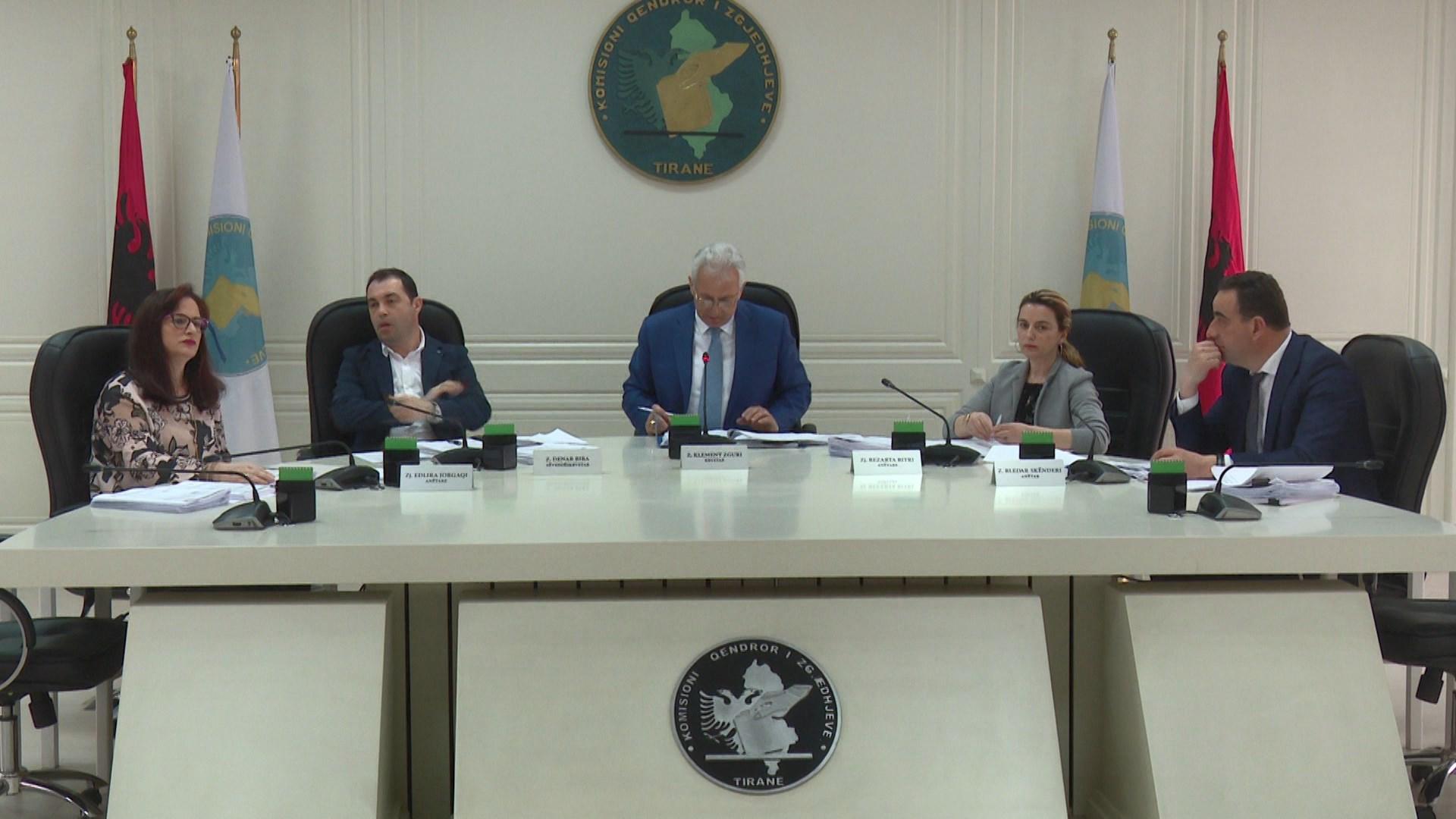 KQZ voton dhënien e mandatit të deputetit për 3 kandidatë të partive opozitare