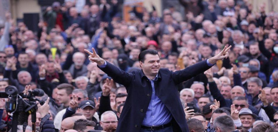Basha: Hajduti sot ia mbathi drejt Italisë për të negociuar azilin politik