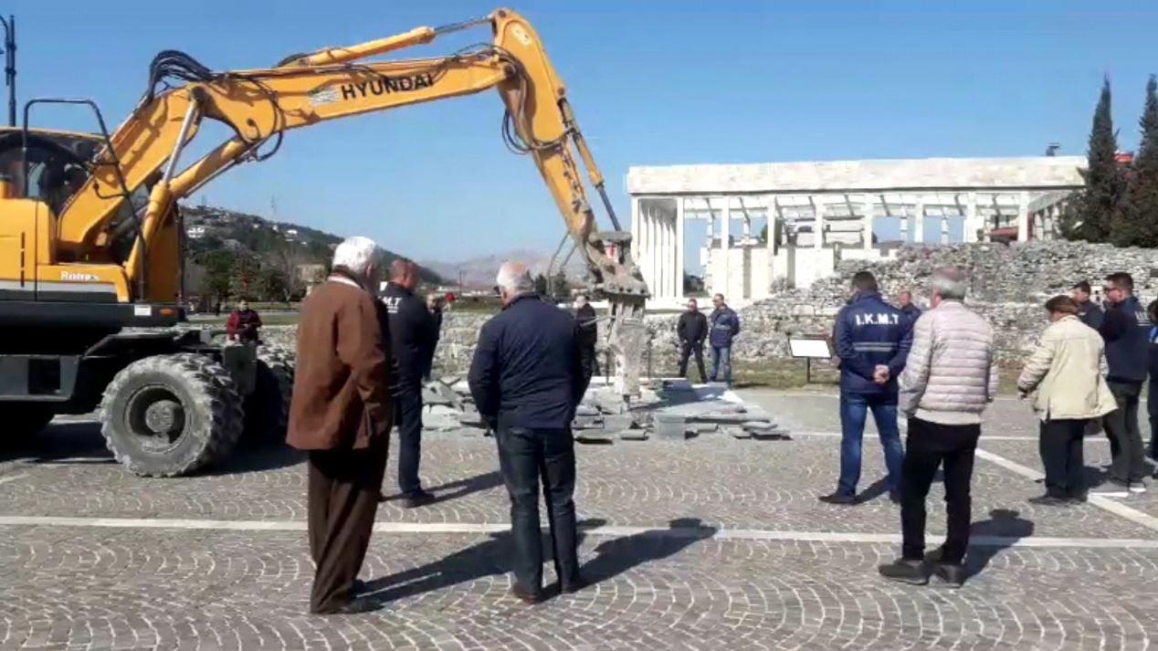 Prishet bazamenti një ditë para vendosjes së bustit të Skënderbeut