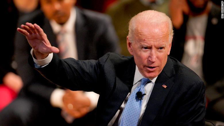 Joe Biden sulmon Trump: Shfrytëzon postin për interesa personale