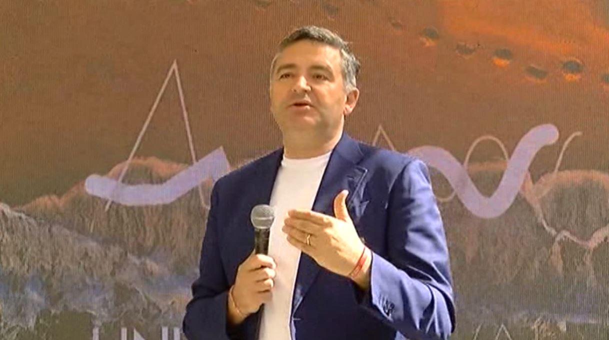 Klosi: Investimet në Valbonë hap i rëndësishëm për turizmin