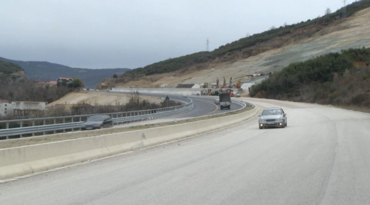 Saga e Tiranë-Elbasan, hapet njëri segment i aksit rrugor