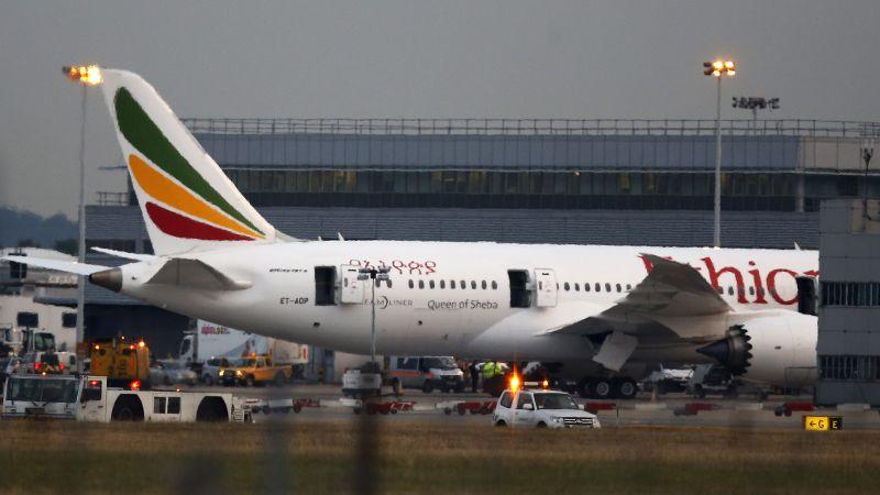 Rrëzohet avioni me pasagjerë, 157 viktima