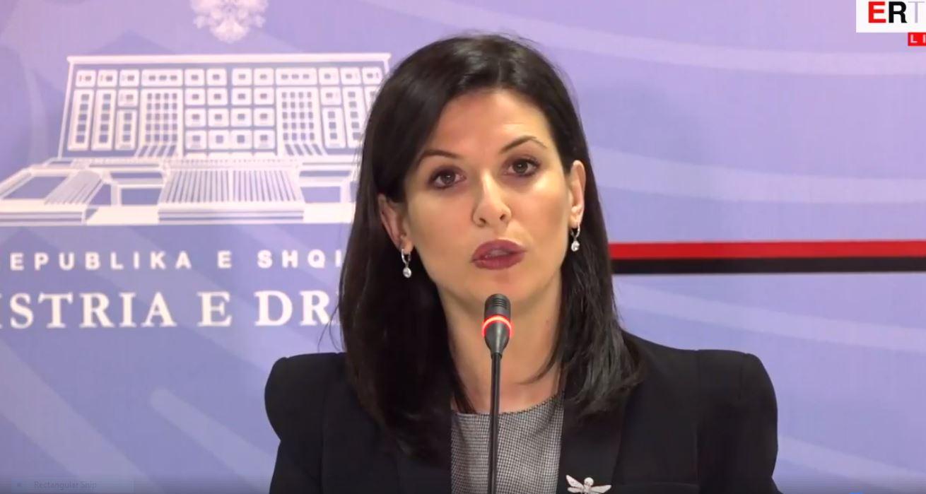 Gjonaj: Masa disiplinore për 28 doganierë dhe 5 specialistë në Durrës