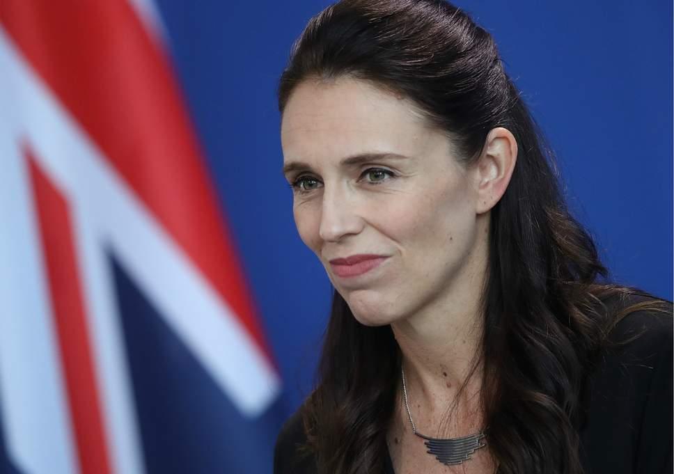 Qeveria e Zelandës së Re ndalon armët e tipit ushtarak