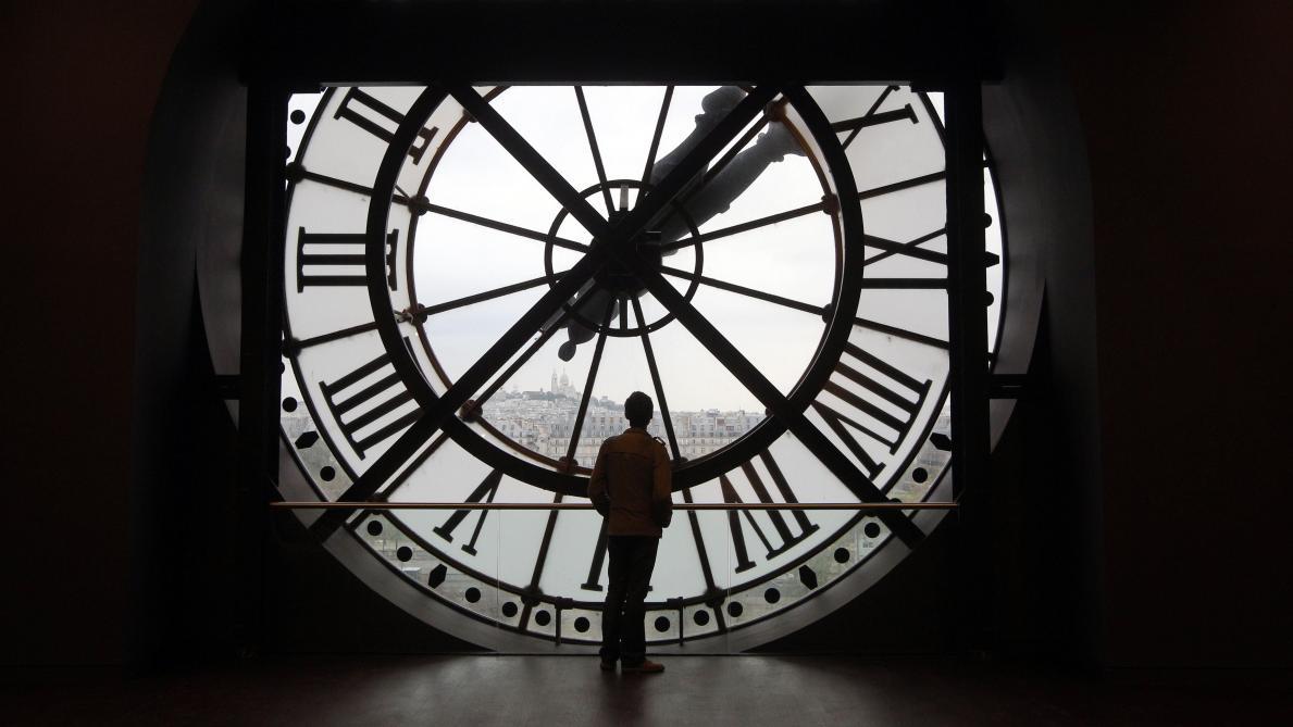 PE voton pro kursimit të kohës