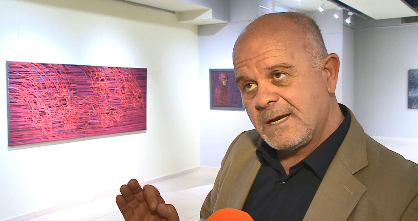 """Adrian Devolli sjell dramën e njeriut në ekspozitën """"Gjithmonë Kanavace"""""""