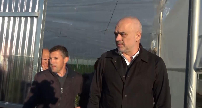 Rama inspekton investimet e fermerëve në Lushnje e Kuçovë