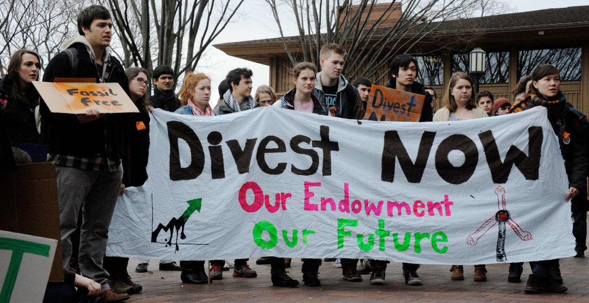 Studentët manifestojnë kundër ndryshimeve klimatike