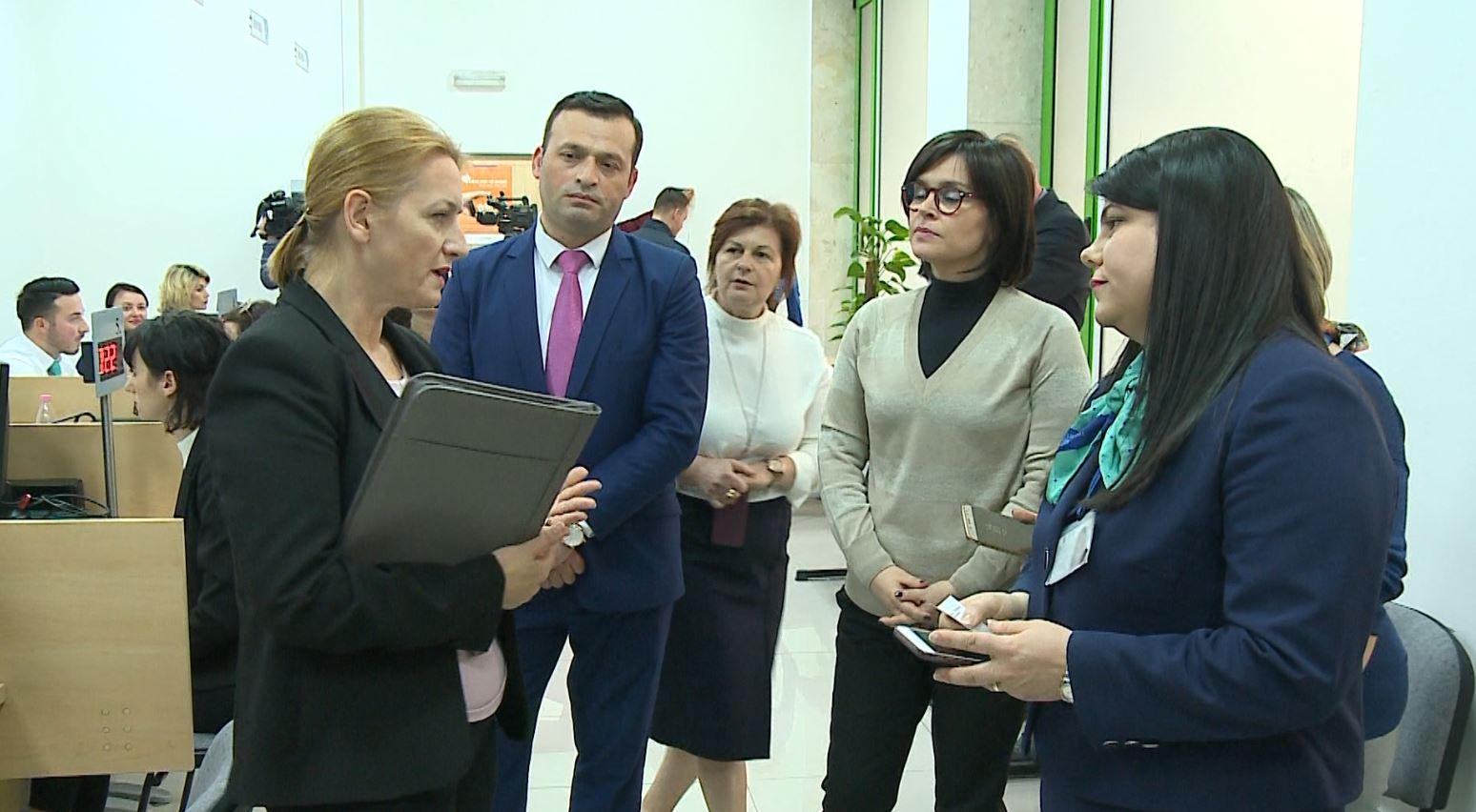Rikonstruktohen zyrat e shërbimit të taksapaguesve në Tiranë