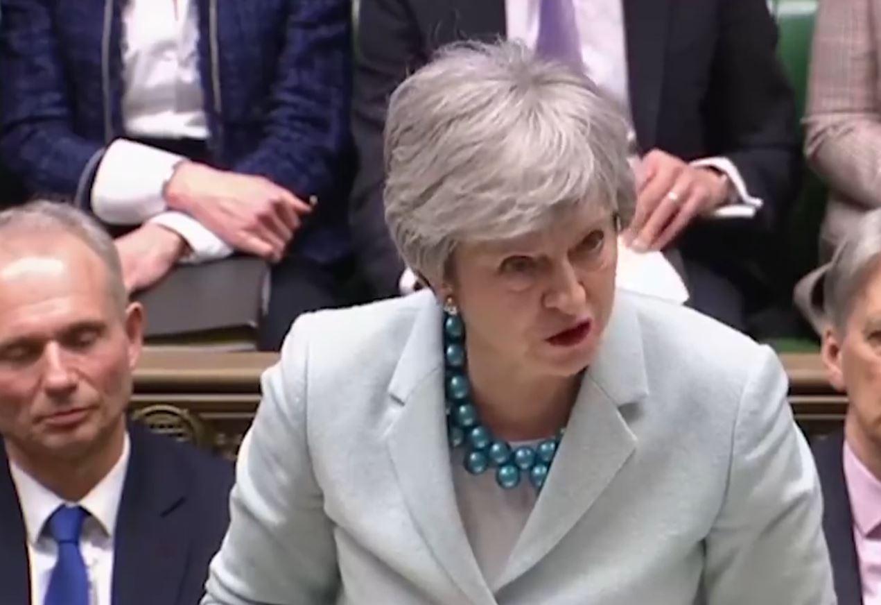 Britani, Theresa May nën presion për të dhënë dorëheqjen