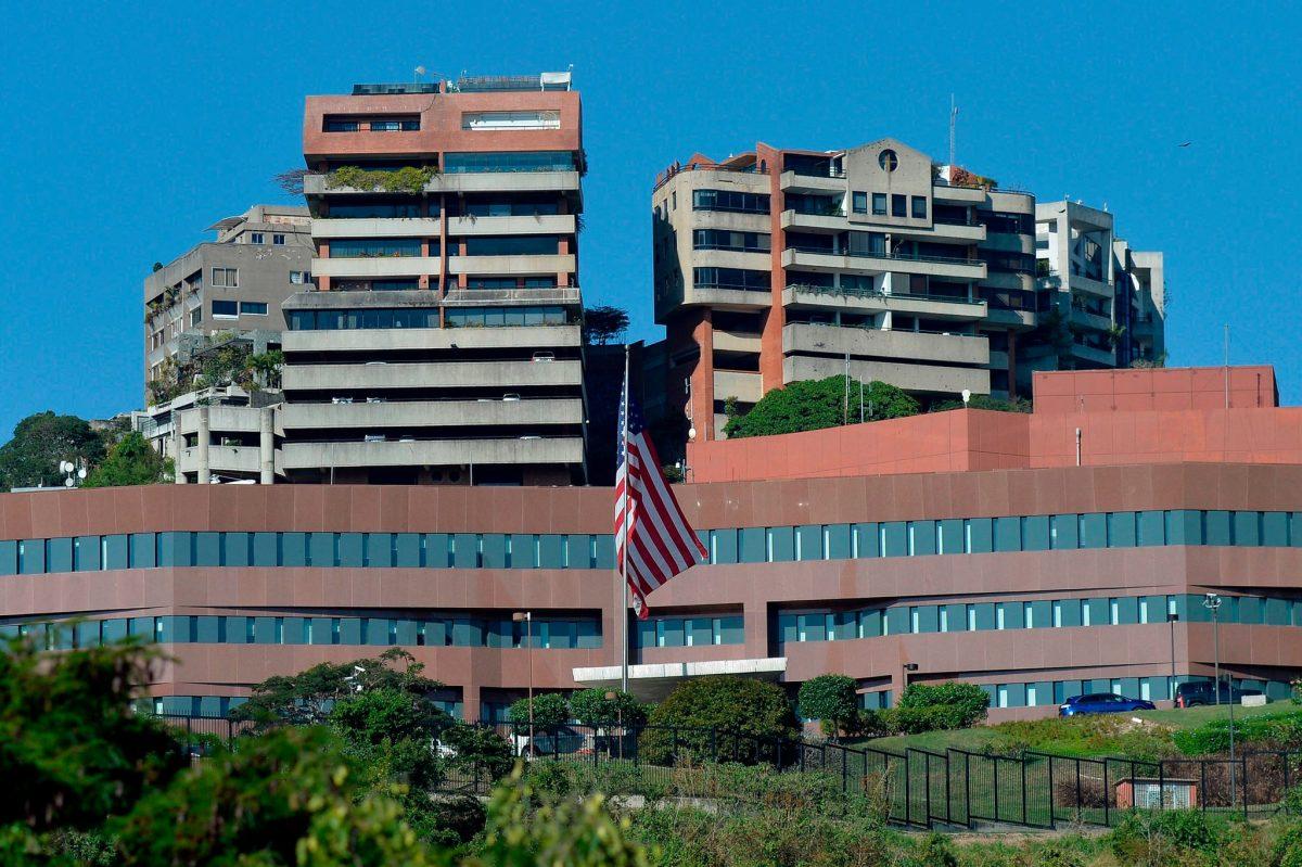 SHBA-të tërheqin pjesën tjetër të personelit diplomatik nga Venezuela