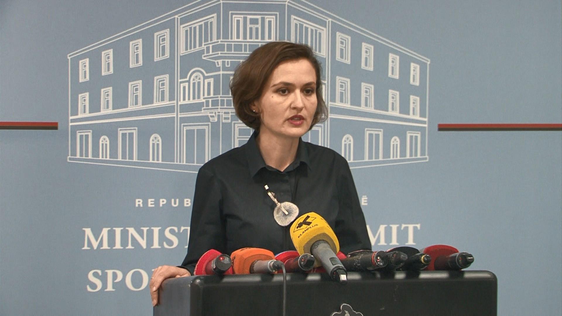 Ministrja e Arsimit pezullon nga detyra rektorin e UT, Mynyr Koni