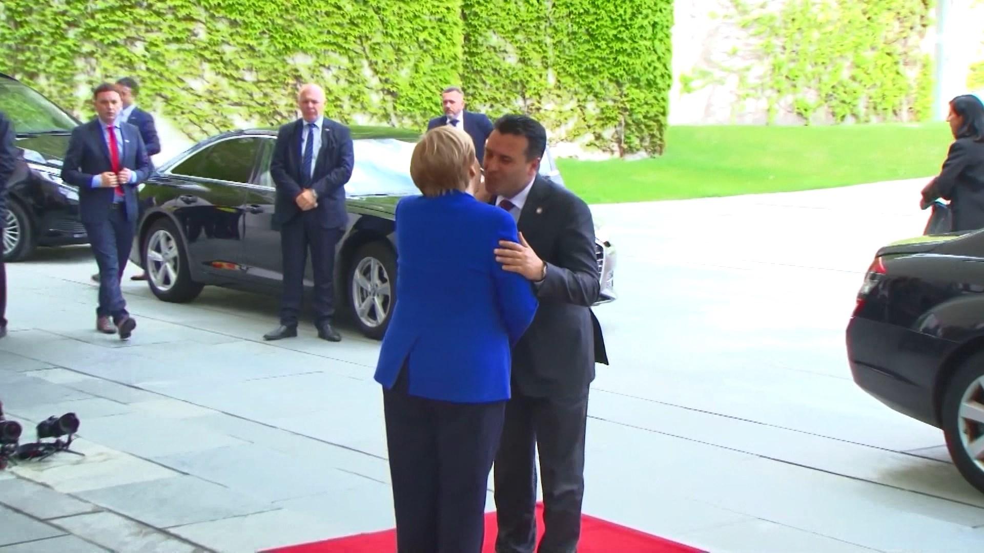 Samiti në Berlin, Zaev takon Merkelin, Macronin e Mogherinin