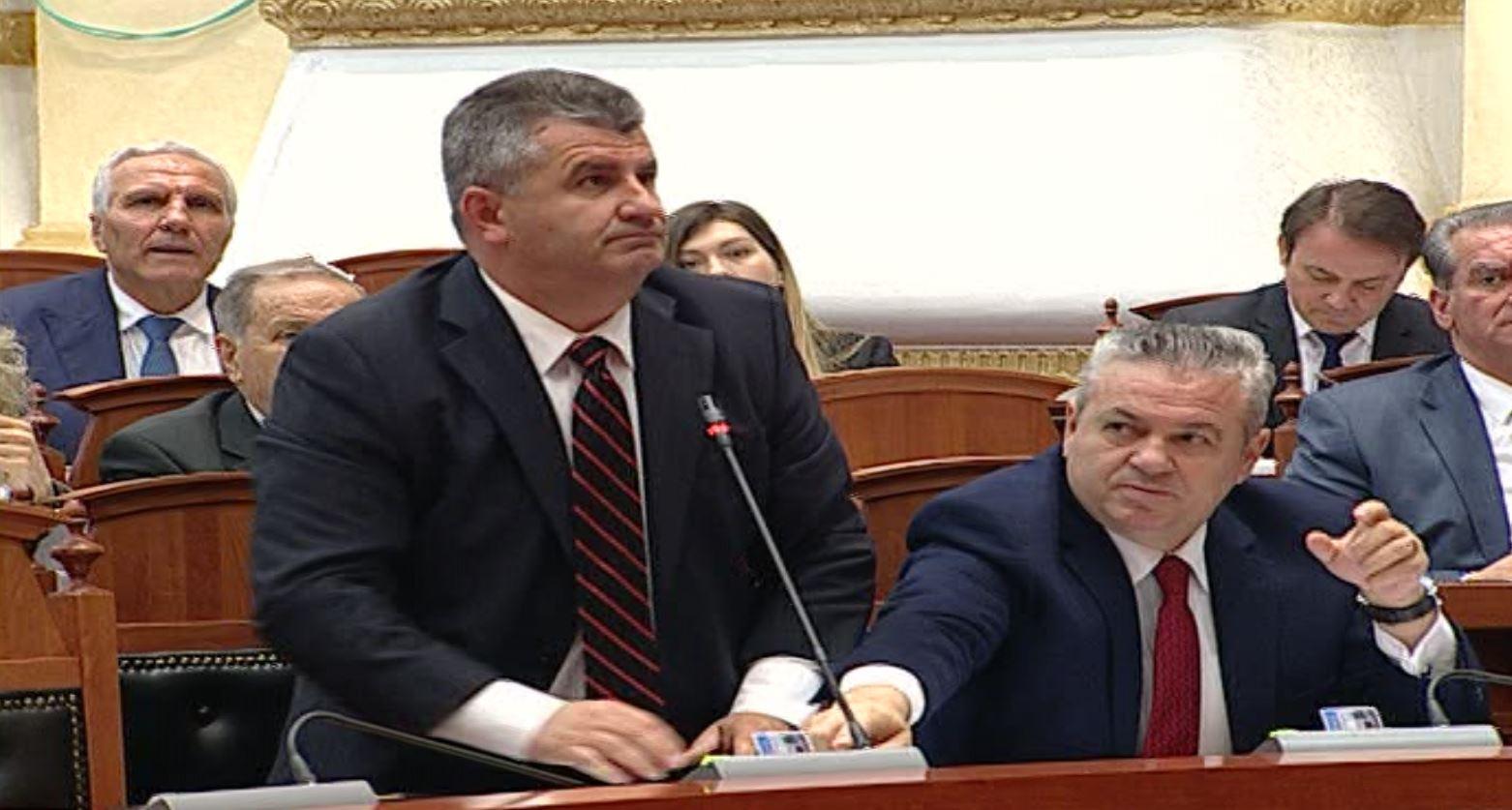 Betohen tre deputetët e rinj të opozitës