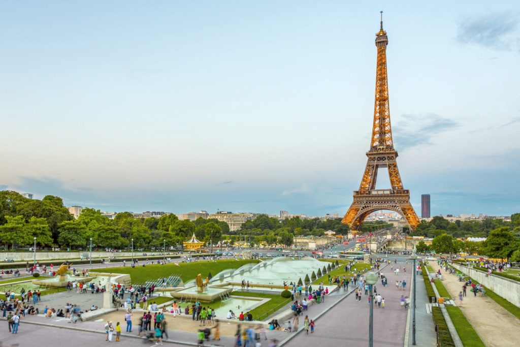 Kulla Eiffel shënon 130-vjetorin e ndërtimit të saj