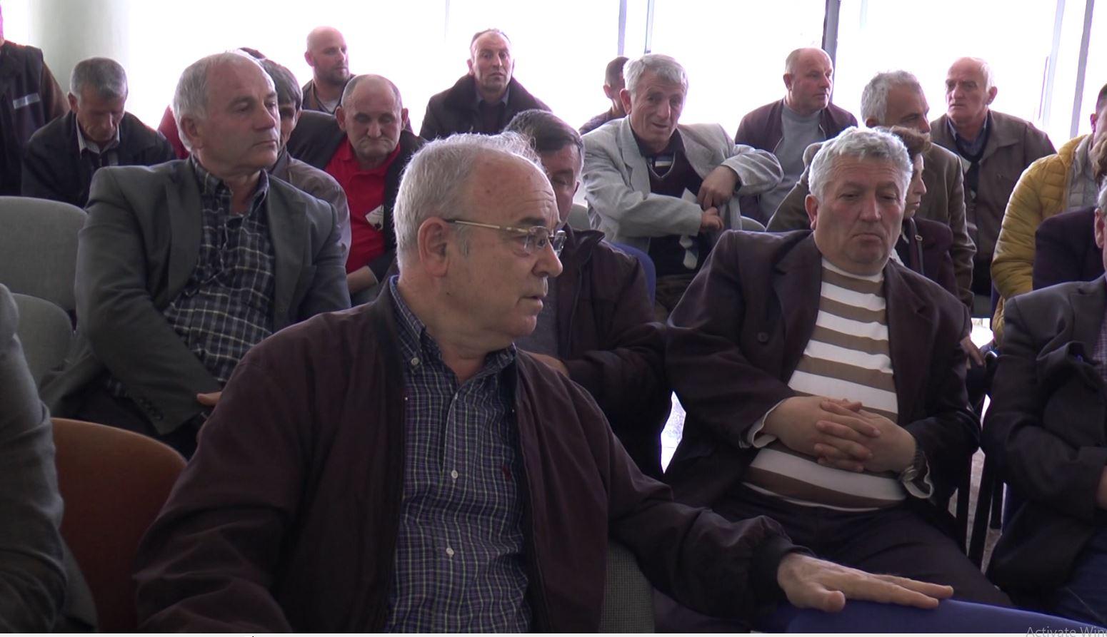Debate në mbledhjen e AZHBR me fermerët e Dibrës