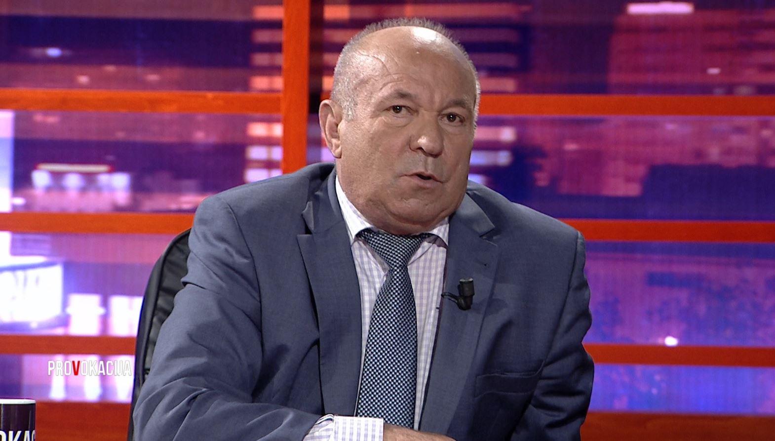 Gëzim Tushi: Të rinjtë shqiptarë urrejnë prindërit dhe mësuesit