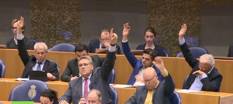 Dorëzohet në Parlamentin e Holandës peticioni për prostitucionin