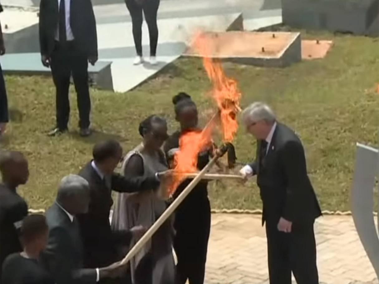 Juncker rrezikon t'i vërë zjarrin zonjës së parë të Ruandës