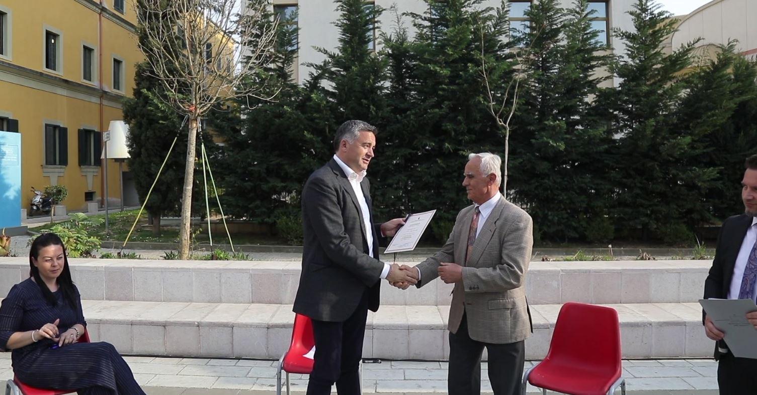 Certifikohen 72 udhërrëfyes për guida turistike