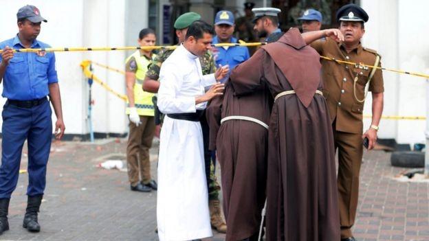 Përgjaken Pashkët, shpërthime në kisha e hotele në Sri Lanka