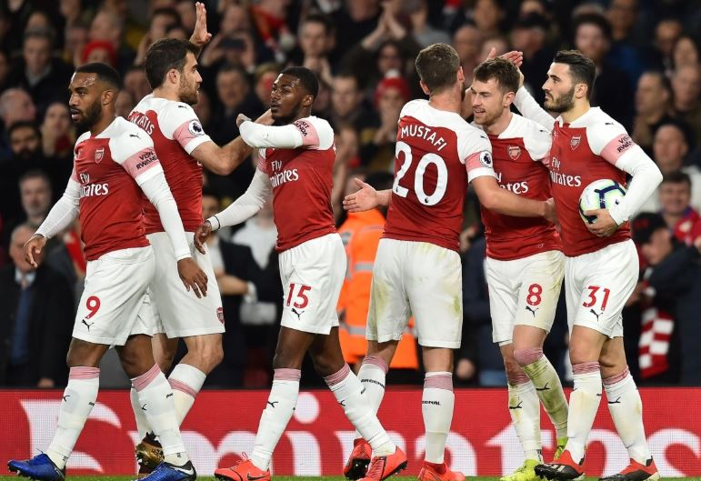 Arsenali fiton ndaj Napolit